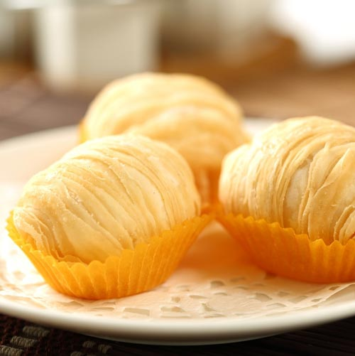Puff Pastries Filled with Shredded Turnip